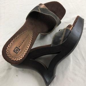 Ellemenno Brown Heels